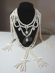 Affair of the diamon necklace ~pearl version~ by Zzzeus