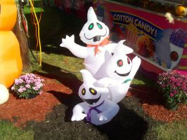 Inflatable Ghosts at the Fair 2 by DerpyDash64