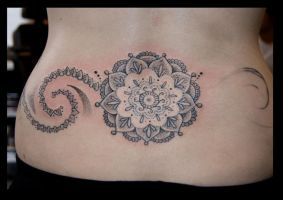Unfinished freehand dots by DotworkDamian
