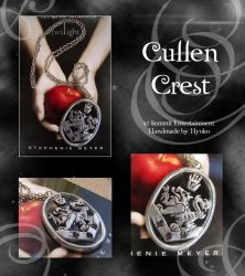 Cullen Crest Necklace by Hyo-pon