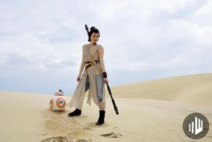 Rey on Jakku [Star Wars VII] by FaerieBlossom