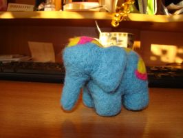Little blue elephant by AksaStrig