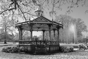 Music Kiosk in the snow 3 - BW by steppeland