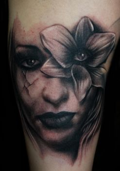 Freehand Woman Tattoo by hatefulss