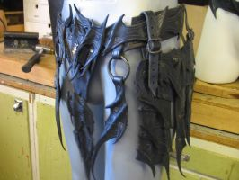 Drow leg armor belt 2 by Sharpener