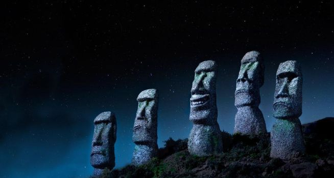 Easter Island Smiles by satoim