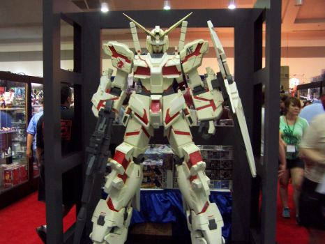 Otakon 1-12 Gundam Unicorn by SDF-RickHunter