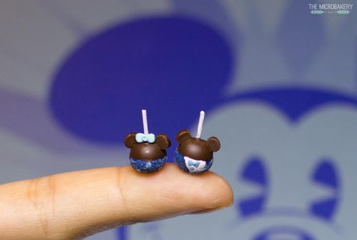 Disneyland 60th Mickey and Minnie Candy Apples by TheMicroBakery