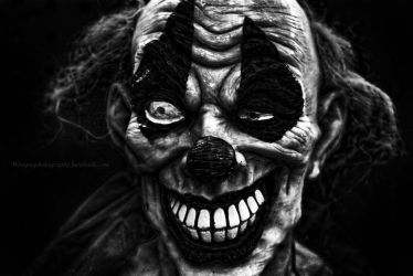 creepy clown by wroquephotography