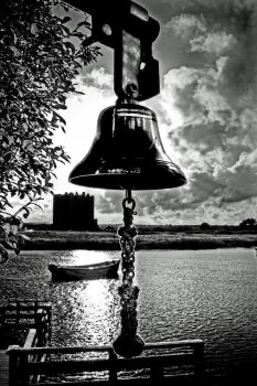 Threave Castle: keeper's bell by Coigach