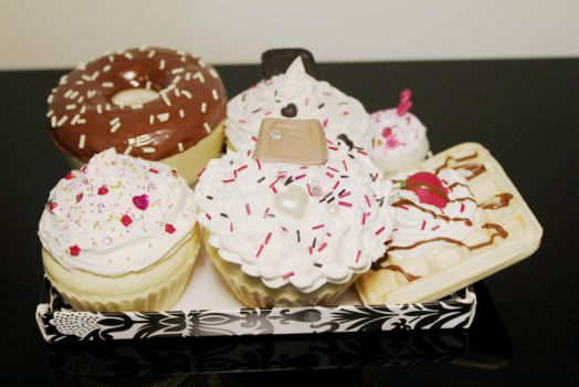 Squishies cupcakes, donut and waffle with decoden by vivialcalde