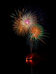 Fireworks 1 by deseonocturno