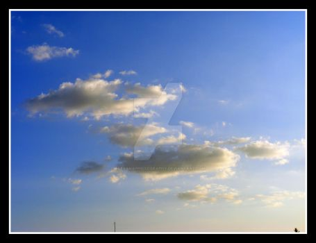 clouds shape' by AlexAnaPhotography