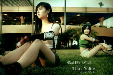 Tifa and Yuffie by qcamera