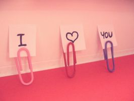 Paper Clip Love by KyraTeppelin