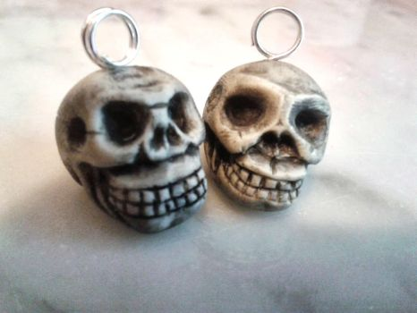 Skull Charms by tyney123