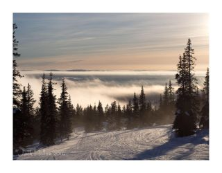 Clouding Piste by jackhollow