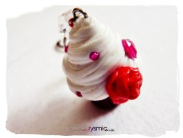 Love Cake Cupcake Keychain by Cateaclysmic