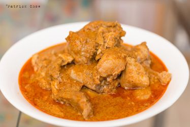 Non-crispy chicken rendang by patchow