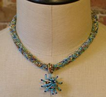 Blue peyote necklace by nellielaan