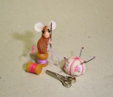 Seamstress mouse by Fairiesworkshop