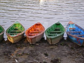 Colorful Boats by moncoeur
