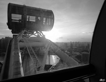 Singapore Flyer by LauraHolArt
