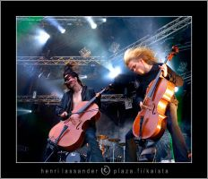 Cellos in the Rain by henrimikael