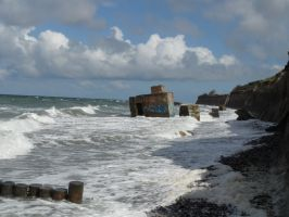 Bunkers and sea1 FREE by Amliel