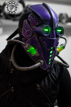 The Xenomancer scifi light up mask by TwoHornsUnited