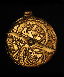 Cthulhu Cult Astrolabe (Front) by vonmeer