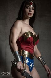 Wonder woman ready for battle by moshunman