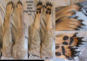 Mohawk Wolf Gloves by Magpieb0nes