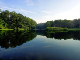 Quiet morning on the lake by emizael