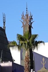 Chinese Theater Palm by makepictures