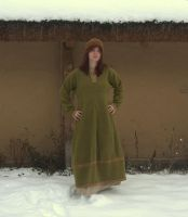 Green woolen dress by Nigdziekolwiek