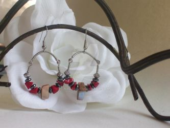 Shell, Coral and Hematite Hoop by Nyrak