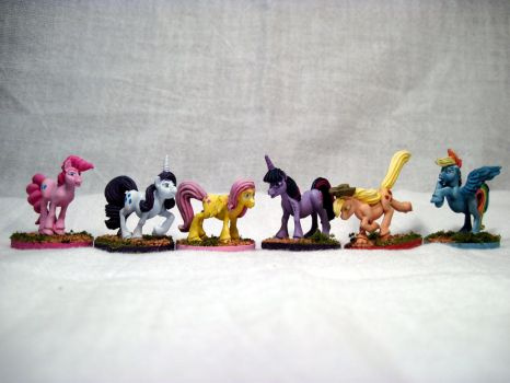 Table-Top Minis: The Mane 6 by NPCtendo