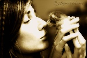 Kissing the Lion by MURIELFREEMIND