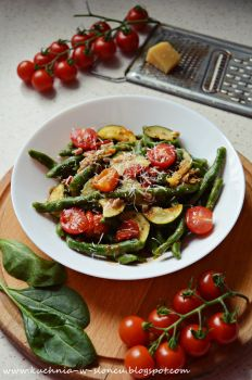 Green pici pasta by SunnySpring