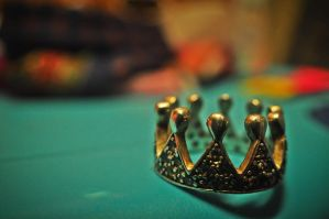 Crowned by DazyGroaning