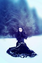 Embrace of winter by mysteria-violent
