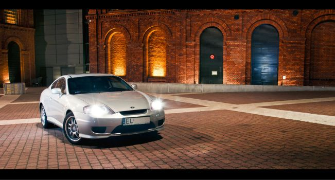 Hyundai Coupe 2006 night shot by theOrzel