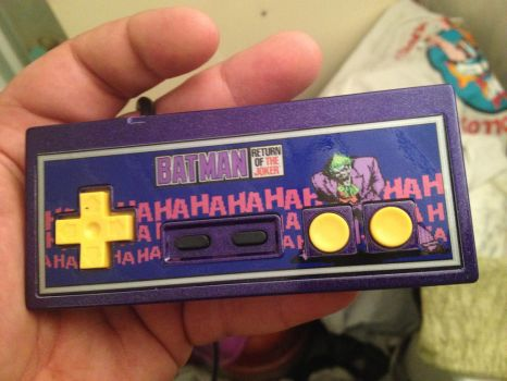 Return of the Joker NES controller by Hananas-nl