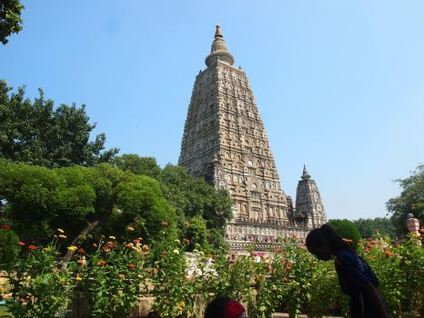 Mahabodhi Temple by FrazChan
