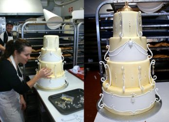 Chandelier Cake by Verusca