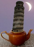 Pisa-Moon by lousephyr