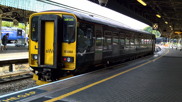 Single Coach 153382 at Bristol Temple Meads by thinskin45
