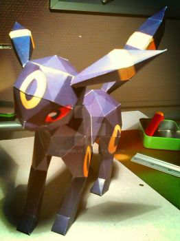 papercraft umbreon by misgirlyy