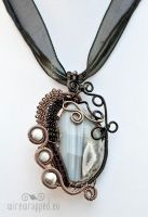 Wire wrapped agate slab by ukapala